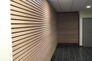 Panneau ligné acoustique mur