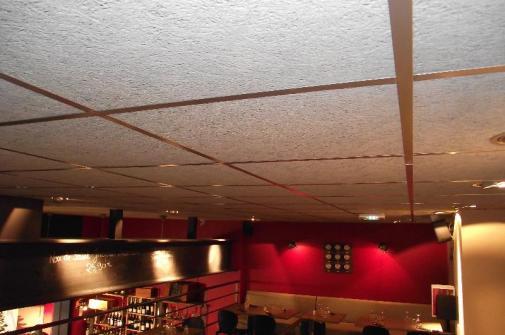 Plafond dans une Brasserie.